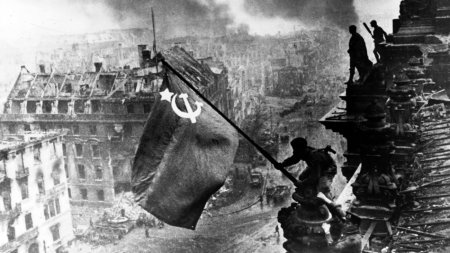 Red Army enters Berlin in 1945