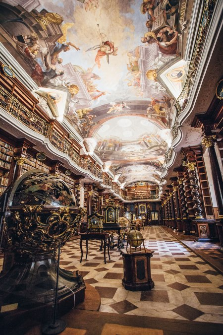 the-klementinum-national-library-czech-republic-7