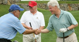 Bill Clinton with friends at the Trump National Golf Club (2008)