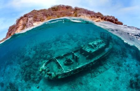 3.underwatermain_900